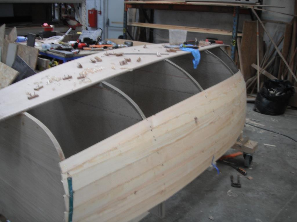 23 Dinghy en construction.JPG